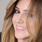 Dra. Débora Brito (Cirurgiã-Dentista)