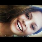 Ana Carolina Damazio Silva (Estudante de Odontologia)