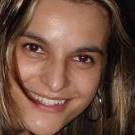Dra. Leticia Estivalete (Cirurgiã-Dentista)