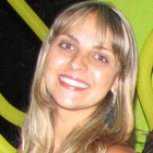 Dra. Aryanne Aerre (Cirurgiã-Dentista)