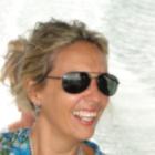Dra. Renata Alves Ferreira Junqueira (Cirurgiã-Dentista)