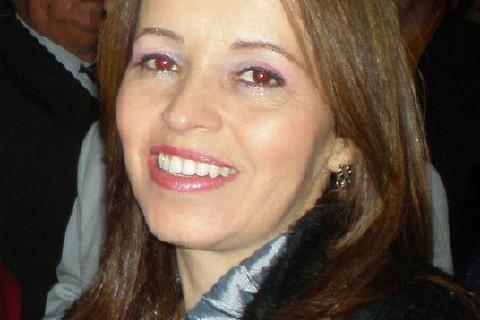 Dra. Cíntia Mônica Vieira Cirurgiã Dentista - Especialista em Endodontia, Dentistica e Prótese