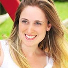 Dra. Camilla Galli (Cirurgiã-Dentista)