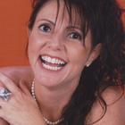 Dra. Ana Paula Víctolo (Cirurgiã-Dentista)
