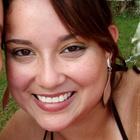 Dra. Anna Paula D. Veloso Viviani (Cirurgiã-Dentista)