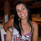 Dra. Lívia Aparecida Gama Martins Lourenzoni (Cirurgiã-Dentista)