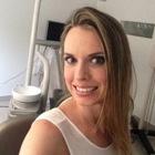 Dra. Maraina Esperança Bruniera (Cirurgiã-Dentista)