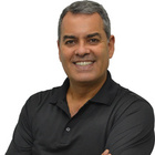 Dr. Marco Aurelio Correa de Oliveira (Cirurgião-Dentista)