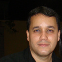Dr. Clayton Marden Queiroz (Cirurgião-Dentista)