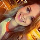 Débora Carvalho (Estudante de Odontologia)