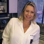 Dra. Paula Selbach (Cirurgiã-Dentista)