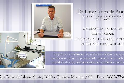 Ortodontista e Ortopedista, Especialista em Implantes e Prótese sobre Implantes