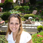 Dra. Flavia Gomes Sanderson (Cirurgiã-Dentista)