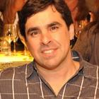 Dr. Julien de Oliveira Barbosa (Cirurgião-Dentista Implantodontista)