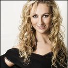 Dra. Laura Juchem Gusson (Cirurgiã-Dentista)