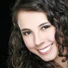 Dra. Dani Castro (Cirurgiã-Dentista)
