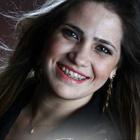 Dra. Karen Gave (Cirurgiã-Dentista)