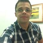 Douglas Bracale (Estudante de Odontologia)