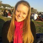 Amanda de Farias (Estudante de Odontologia)
