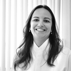 Dra. Lucia Helena Antunes Carvalho Costinha (Cirurgiã-Dentista)