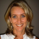 Dra. Aline Hanke Stern Tovo (Cirurgiã-Dentista)
