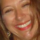 Dra. Francyola Caliman Lavigne (Cirurgiã-Dentista)